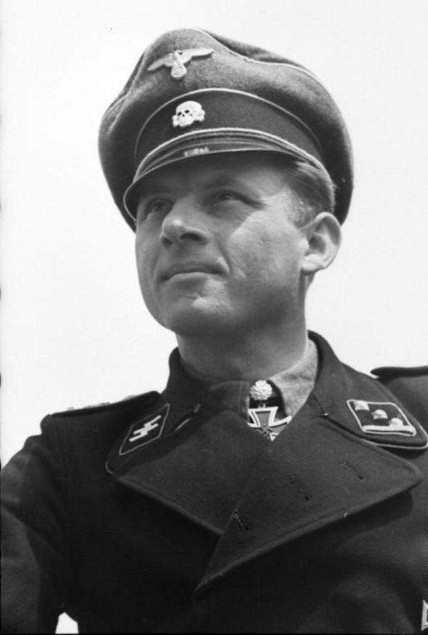 Michael Wittmann, zwany Czarnym Baronem, był najsłynniejszym asem pancernym w dziejach.