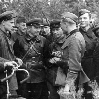 Sowieci i Naziści. Dwie strony tego samego medalu.