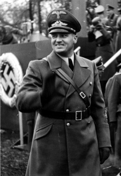 Według Hansa Franka Polacy mieli stać się niewolnikami Niemiec.
