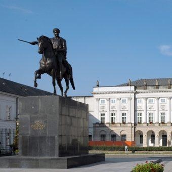 Czy pomnik księcia Józefa Poniatowskiego zostanie przeniesiony z Krakowskiego Przedmieścia?