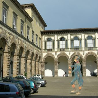Dziedziniec Pałacu Książęcego w Lukce... i jego domniemany duch.