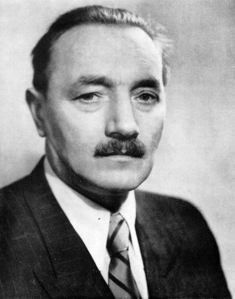 Portret Bolesława Bieruta, który był stałym elementem wystroju gabinetów komunistycznych dygnitarzy, musiał je opuścić po zmianach ustrojowych.