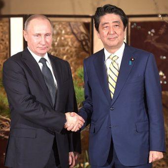 Władimir Putin i Shinzo Abe w grudniu 2016 roku.