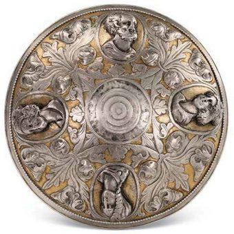 Misa z wizerunkiem greckich bogów odnaleziona w trakcie prac archeologicznych.