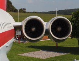 Silniki samolotu IŁ -62 M, których wybuch spowodował pożar na pokładzie samolotu.