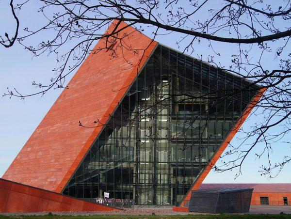 Losy Muzeum II Wojny Światowej w Gdańsku są najlepszym dowodem na to, że radykalna retoryka trafiła do głównego nurtu dyskursu historycznego.