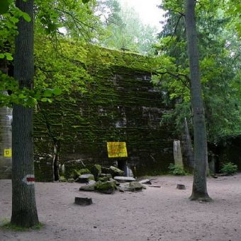 To tutaj miał miejsce nieudany zamach na Adolfa Hitlera.