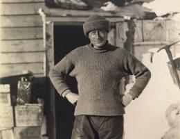 Edward Adrian Wilson na zdjęciu z około 1911 roku.