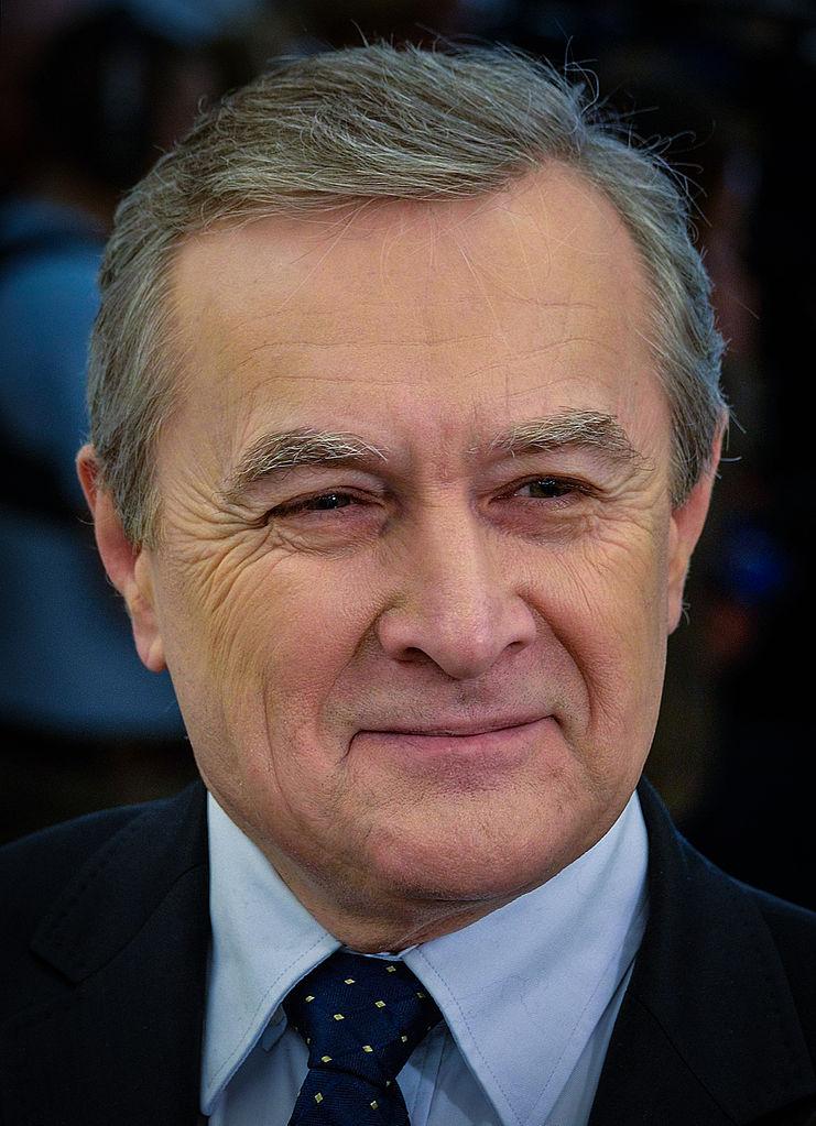 To Piotr Gliński jako minister kultury i dziedzictwa narodowego, zwrócił się do Czartoryskich z propozycją kupna całej kolekcji.