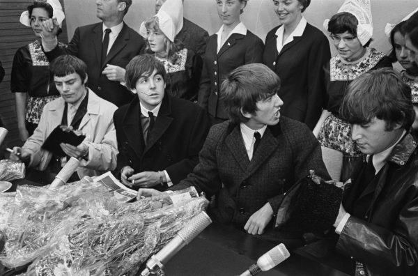 Konferencja prasowa Beatlesów podczas konferencji prasowej w Nowym Jorku w 1964 roku.
