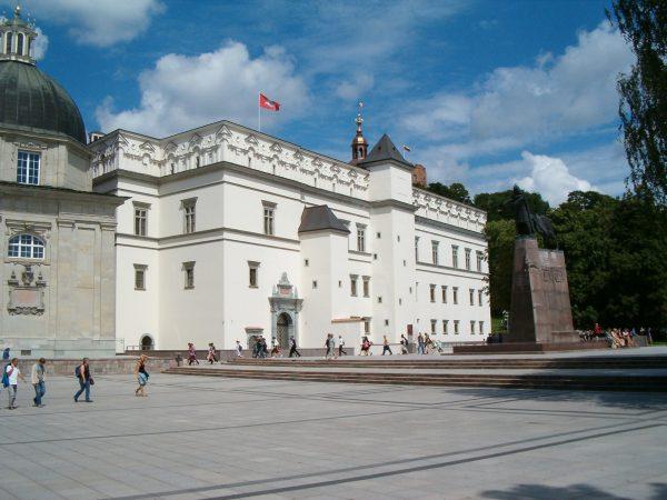 Zamek Dolny jest dziś jedną z atrakcji turystycznych Wilna.