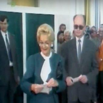Jaruzelscy glosują w wyborach 4 czerwca. Kadr z Dziennika Telewizyjnego.