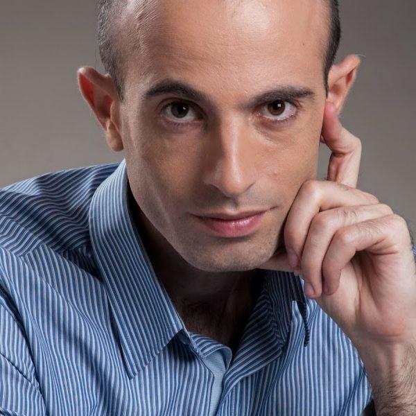Yuval Noah Harari na fotografii ze swojego kanału na YouTube.