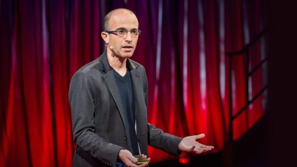 Harari podczas wykładu na konferencji TED.