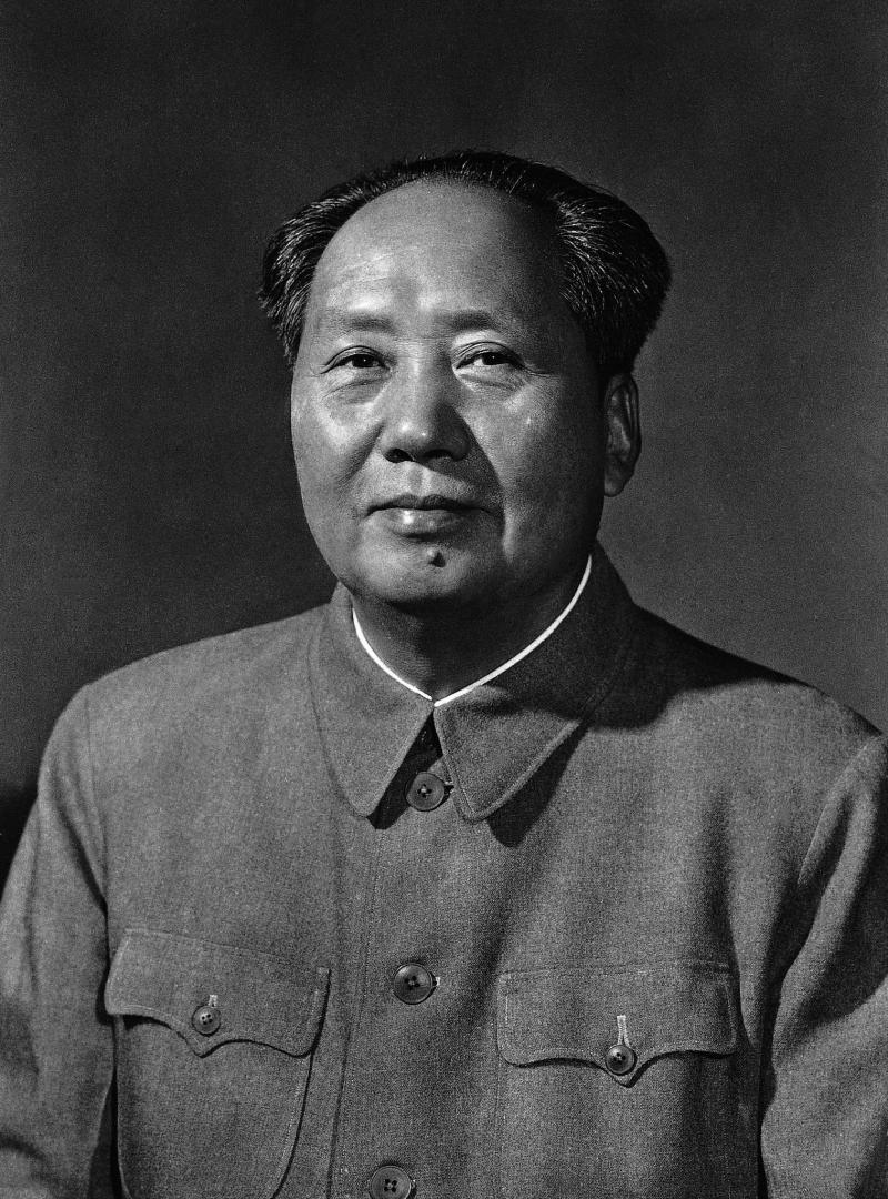 """Francuscy maoiści nazywali Mao Zedonga """"Leninem naszej epoki""""."""