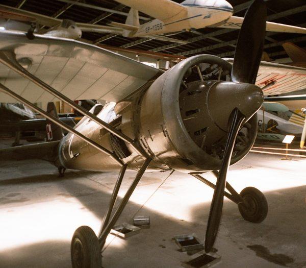 112. Eskadra Myśliwska dysponowała samolotami myśliwskimi polskiej konstrukcji PZL P.11. Na zdjęciu egzemplarz maszyny, który można oglądać w Muzeum Lotnictwa w Krakowie.