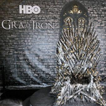 Żelazny Tron z serialu HBO podczas konwentu Pyrkon 2015.