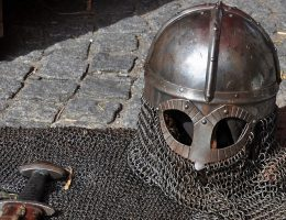 Ekwipunek średniowiecznego rycerza. Fotografia poglądowa.