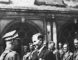 Chociaż nigdy nie został przerzucony do Polski, gen. Alfons Maćkowiak wyszkolił nie jednego Cichociemnego.