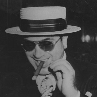 Al Capone zbił prawdziwą fortunę na handlu alkoholem w czasie prohibicji.
