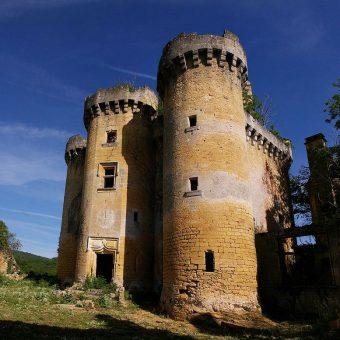 Zamek Paluel w 2012 roku.
