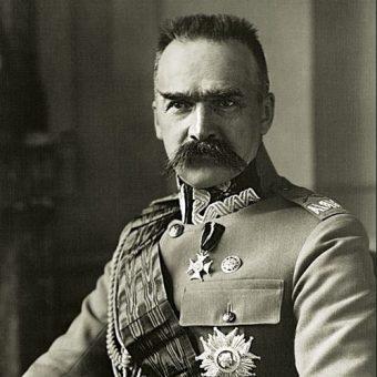 Roman Giertych uważa, że PiS nie przez przypadek nawiązuje do Sanacji i Piłsudskiego