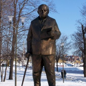 Pomnik Jerzego Ziętka (Zdjęcie opublikowane na licencji CC BY-SA 3.0, autor: Lestat).