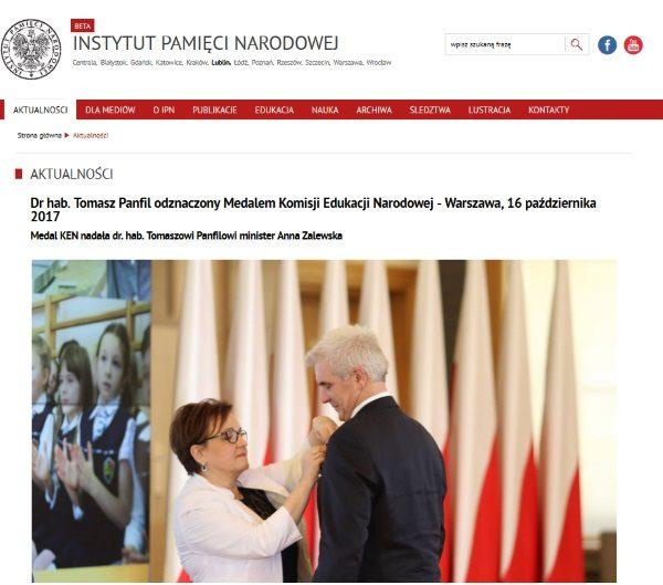 Zrzut ekranu ze strony lubelskiego oddziału IPN. Instytucja chwali się odznaczeniem swojego pracownika.