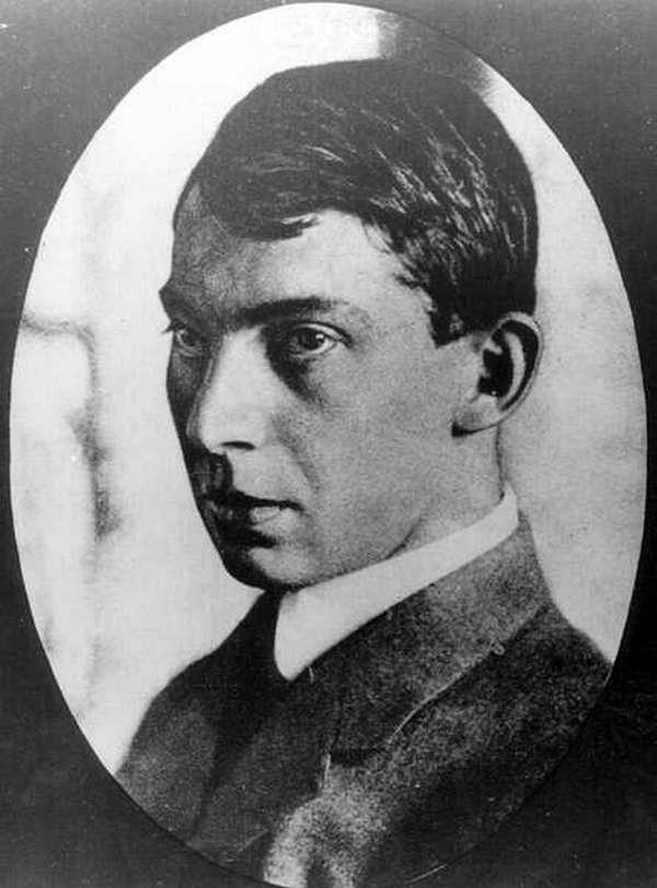 Aleksander Korda był założycielem słynnego studia filmowego London Films i firmy dystrybucyjnej British Lion Films. Podczas II wojny światowej przeniósł się do Hollywood. Został uhonorowany tytułem szlacheckim, m.in. za wspieranie kampanii propagandowych.