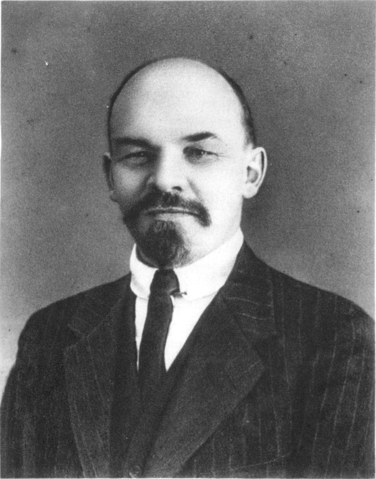 Rewolucyjne wrzenie w Rosji zaskoczyło Lenina, przebywającego właśnie w Szwajcarii. Zdjęcie wykonane przez Wilhelma Pliera w 1916 roku w Zurychu.