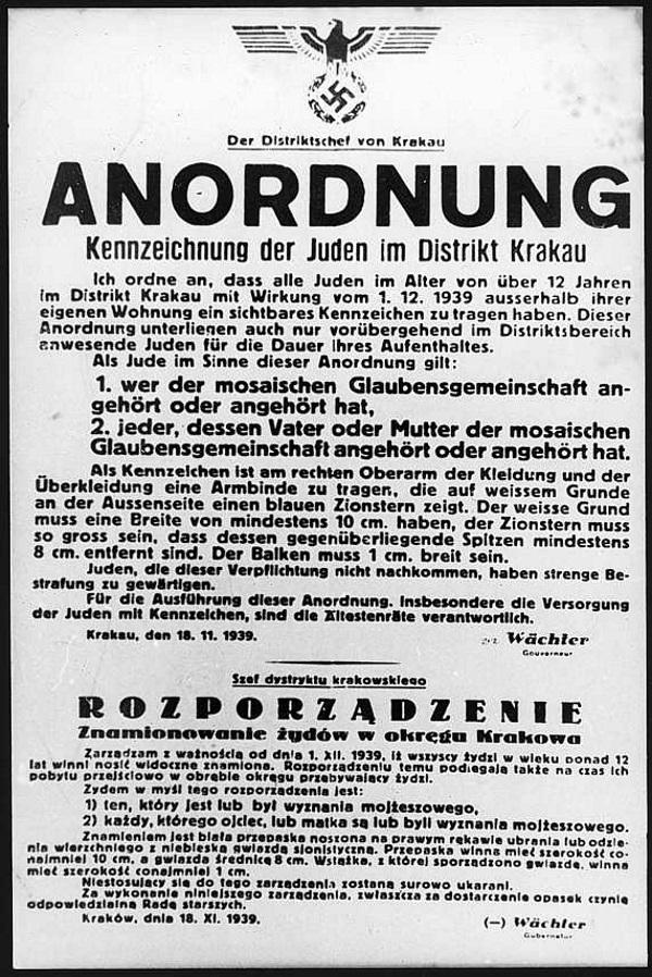 Prześladowania Żydów rozpoczęły się niemal od razu po rozpoczęciu niemieckiej okupacji w Polsce. Na zdjęciu rozporządzenie o znamionowaniu Żydów z 18 listopada 1939 roku.