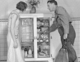 Amerykańskie domowe lodówki z lat 20. (fot. domena publiczna)