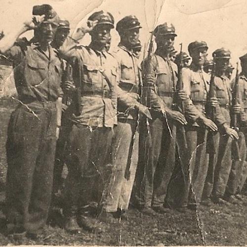 Oddział Milicji Obywatelskiej na pogórzu dynowskim w okresie walk z UPA. Równie dobrze ci sami mundurowi mogli zostać wysłani do zwalczania polskiego podziemia niepodległościowego (fot. domena publiczna)