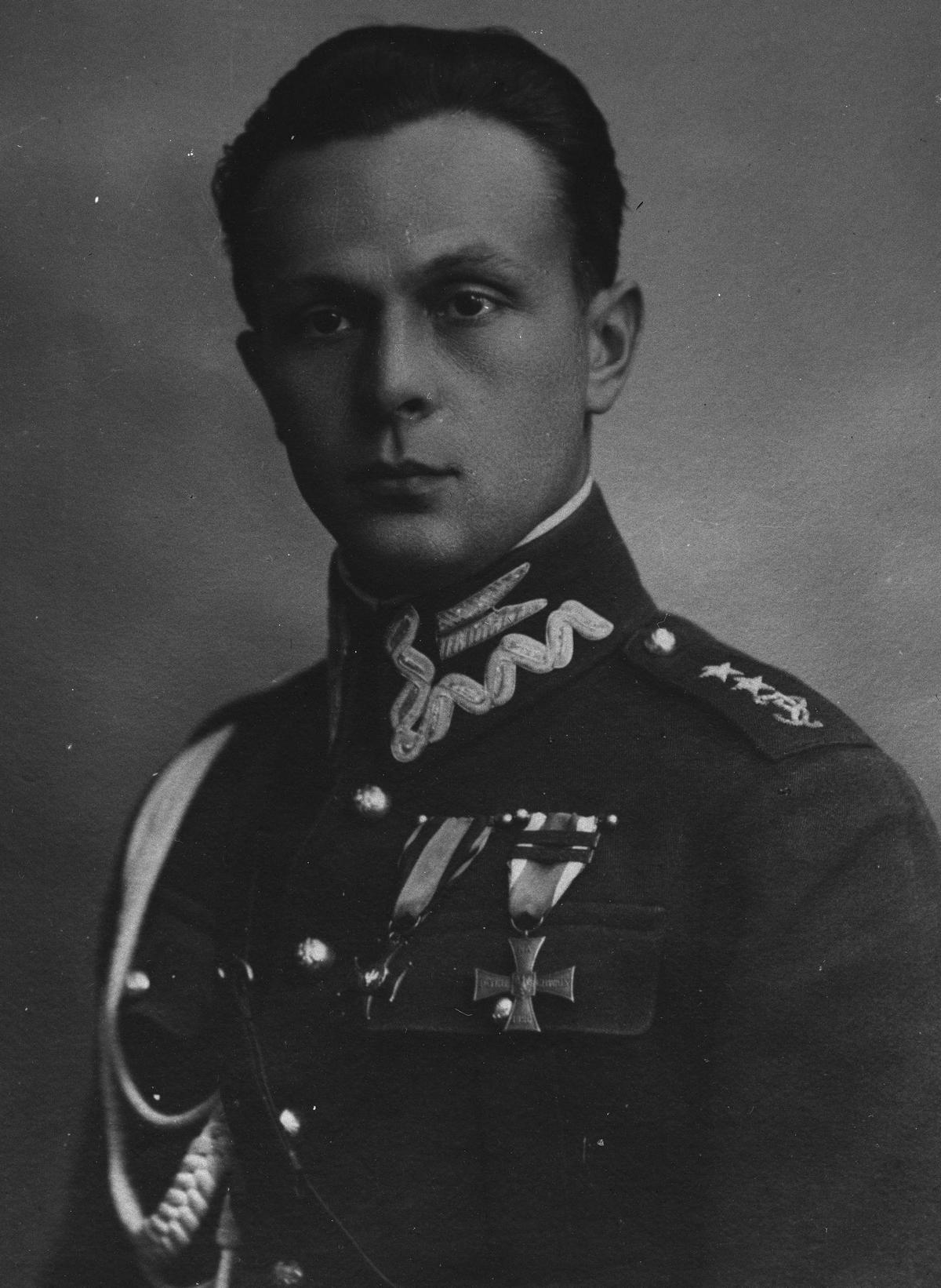 Adiutant marszałka Józefa Piłsudskiego rotmistrz Aleksander Hrynkiewicz.