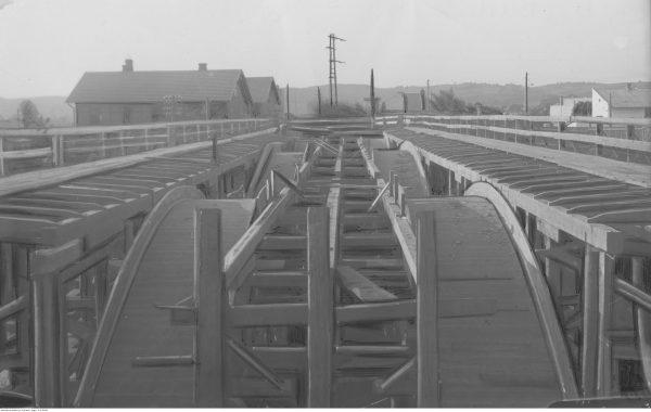 Budowa mostu żelbetowego nieopodal Jasła na obszarze Centralnego Okręgu Przemysłowego. 1938 rok