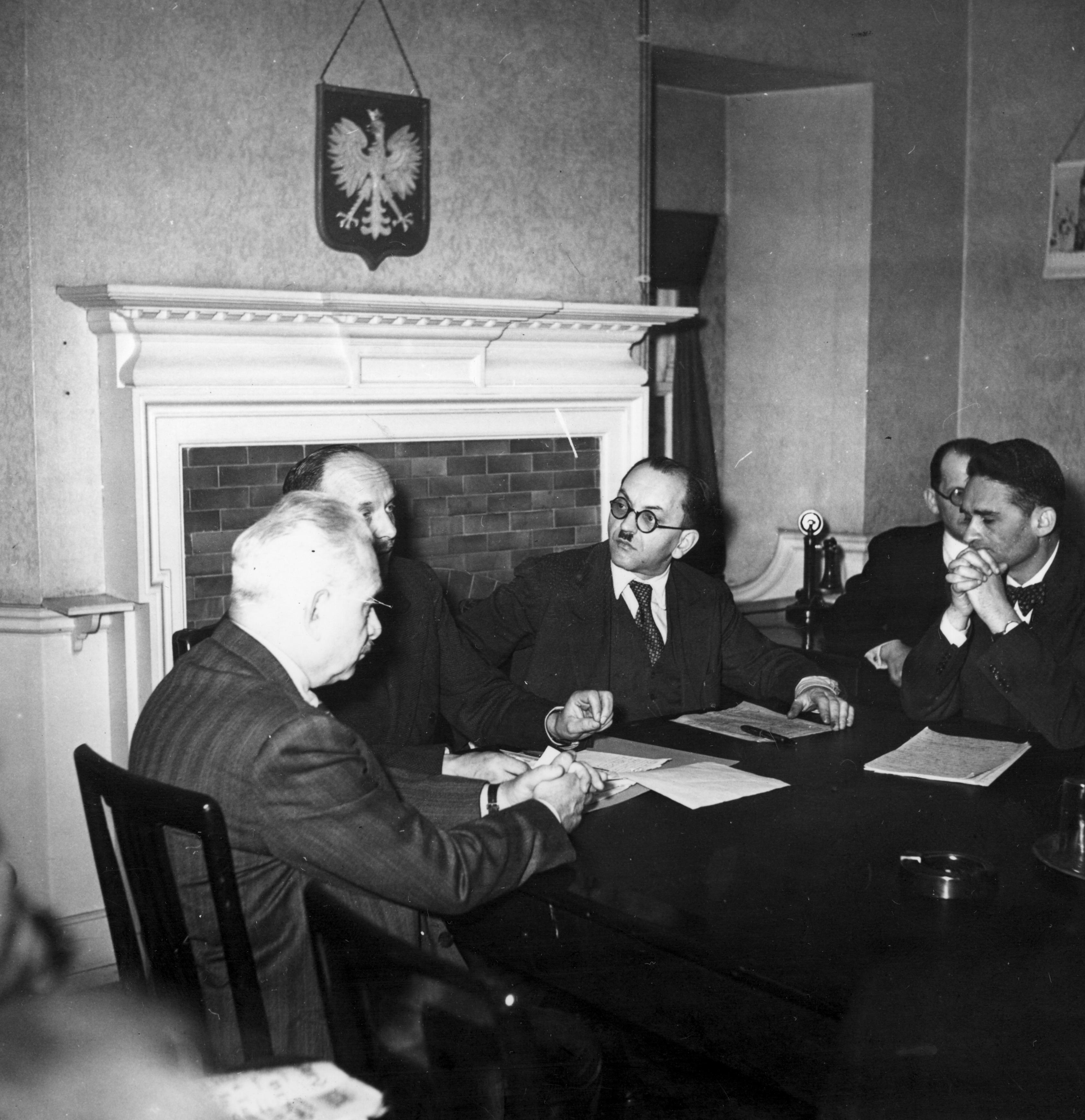 Posiedzenie Rady Pomocy Żydom w 1944 roku.