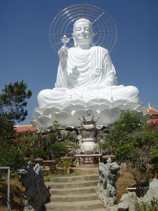Posąg Buddy w Wietnamie (fot. domena publiczna)