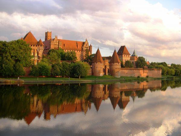 Zamek krzyżacki w Malborku. Zdjęcie współczesne.