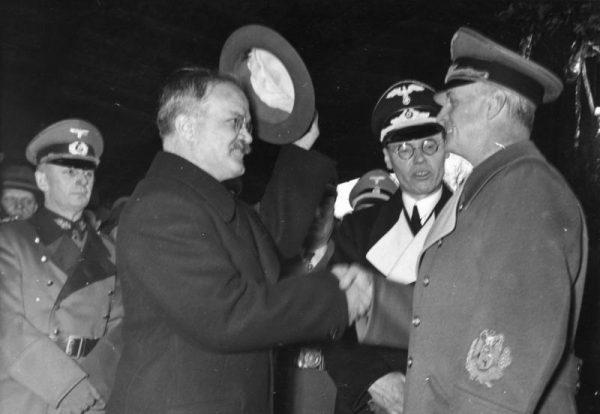Mołotow i Ribbentrop w Berlinie, 1940 rok. (fot. Bundesarchiv, Bild 183-1984-1206-523 / CC-BY-SA 3.0)