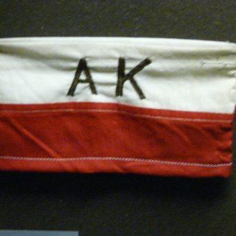Akowska opaska. (for. Piotrus, CCA BY-SA 3.0)