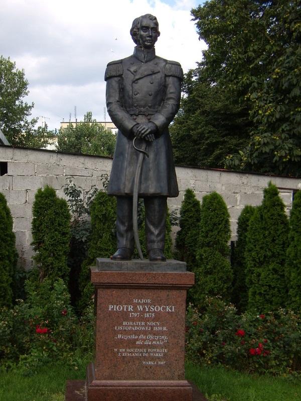 Piotr Wysocki na pomniku w Warce (fot. Stefs, lic. GFDL).