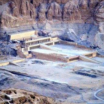 Świątynia Hatszepsut (fot. Badics, lic. CCA-SA 3.0)
