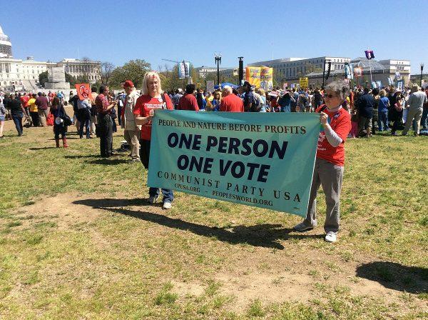 Manifestacja Komunistycznej Partii USA w kwietniu 2016 roku.