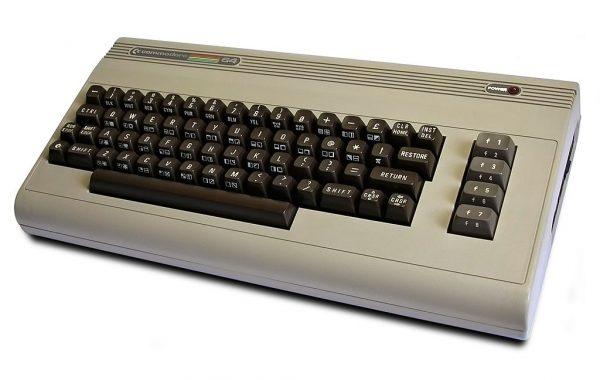 Commodore 64 był komputerem domowym powstałym w latach 80-tych XX wieku i był dotychczas najlepiej sprzedającym się komputerem w historii informatyki - osiągnął wynik 17 milionów sprzedanych egzemplarzy.