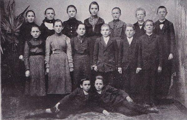Dzieci wrzesińskie. Zdjęcie, które stało się pamiątką po oporze przeciw germanizacji