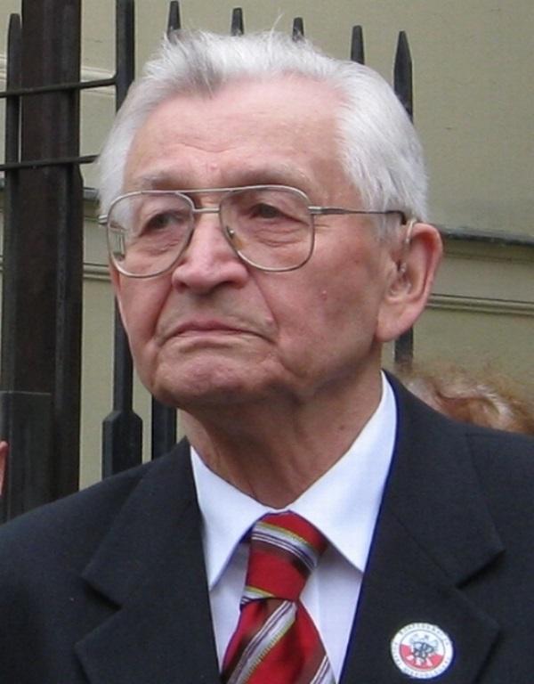 Leszek Moczulski nie szczędził PZPR gorzkich słów. (fot. Romana Kahl-Stachniewicz, lic. GNU FDL)
