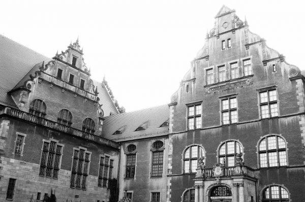 Obecne Collegium Minus powstało jako jedna z inwestycji mających zachęcać Niemców do osiedlania się w Poznaniu