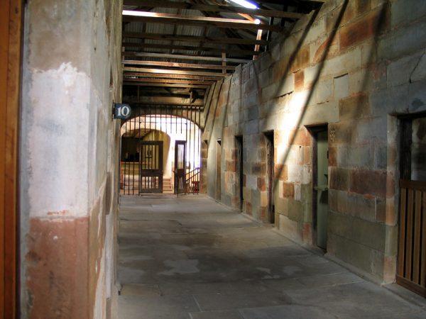 Więzienie w Port Arthur nie miało sobie równych w całym imperium brytyjskim. W połowie XIX wieku dołączono do niego także widoczną na zdjęciu izolatkę, gdzie zamiast kar cielesnych stosowano kary psychiczne.