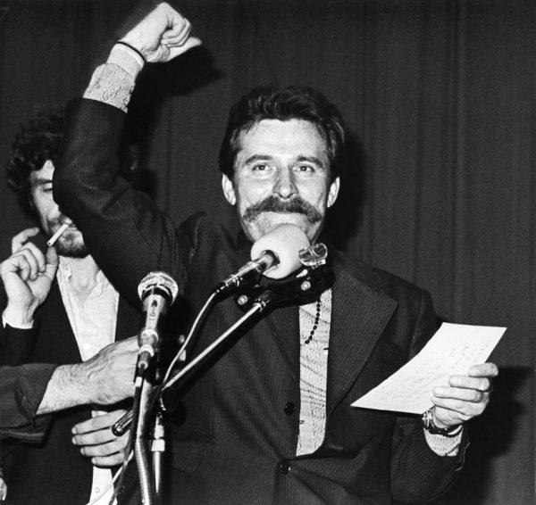 Strajk sierpniowy w Stoczni Gdańskiej im. Lenina. Za mikrofonem Lech Wałęsa.