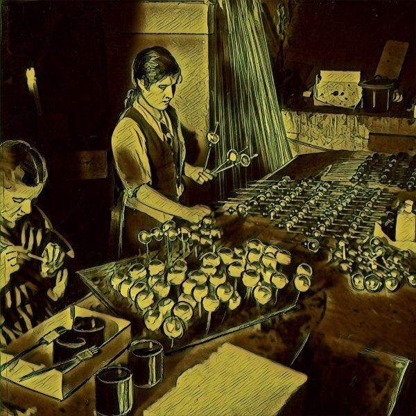 Wytwórnia bombek choinkowych w Warszawie. 1941 rok